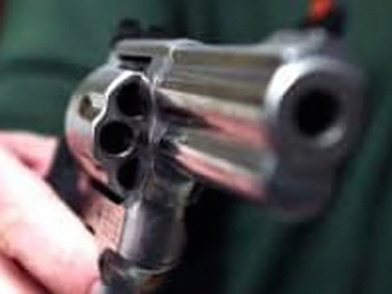 Pregiudicato punta pistola contro una Infermiera in Pronto Soccorso: occorre garantire più sicurezza agli operatori sanitari!