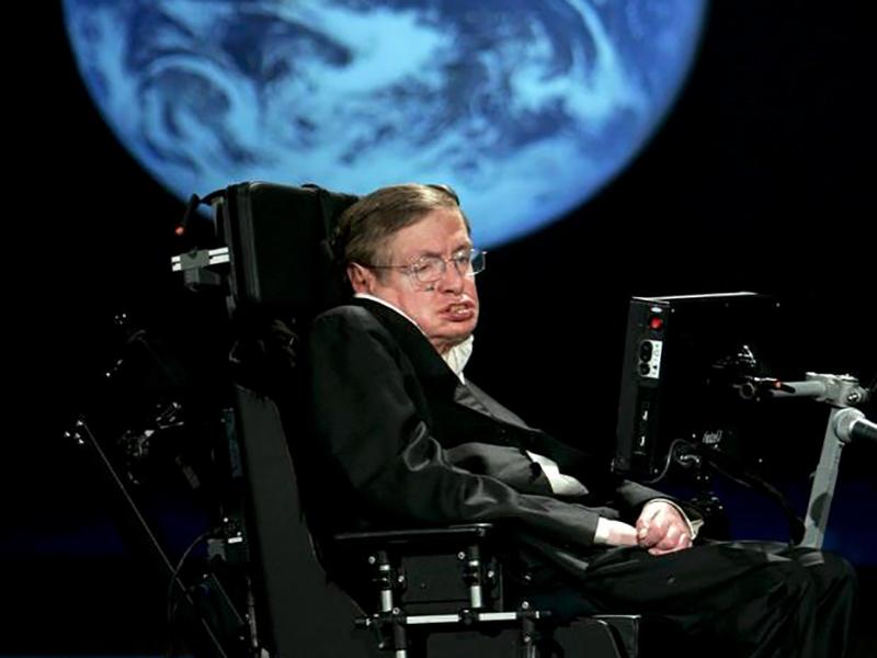 Addio a Stephen Hawking: cosmologo di fama planetaria