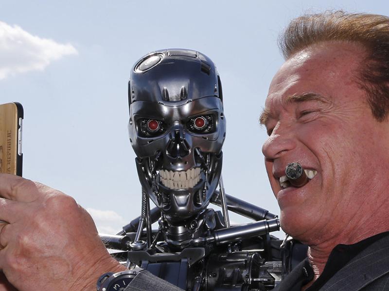 Arnold Schwarzenegger operato al cuore: Infermieri e Medici sperano!