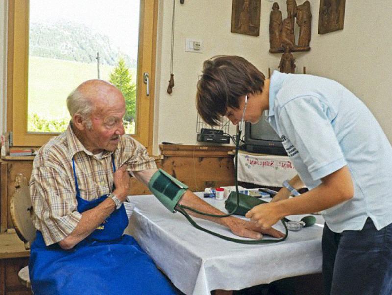 Borsa di studio per progetto di ricerca sugli anziani: Infermieri fatevi avanti!