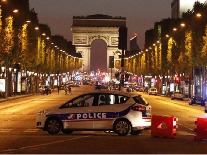 Quattro in gravi condizioni: Isis dietro attacco a Parigi!
