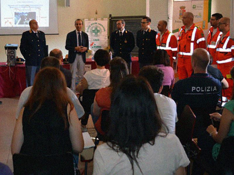Infermieri e Medici Polizia di Stato studiano Prehospital Trauma Care.