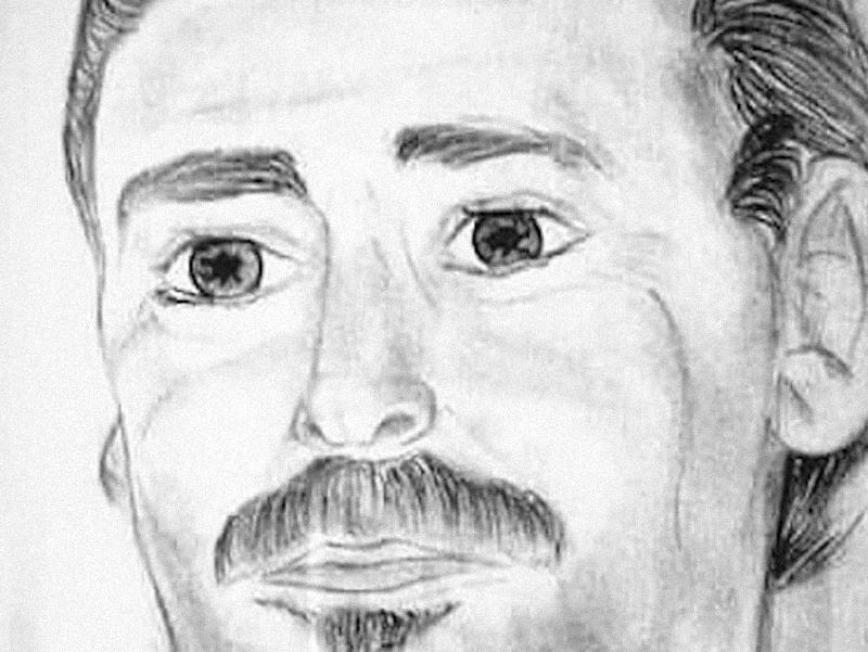 Un ritratto: è il papà di Marisa, con gli occhi grandi e sgranati di chi ama profondamente la figlia.