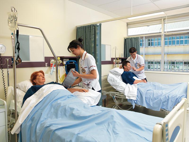 Infermieri al servizio di anziani con malattie croniche: pazienti in aumento!