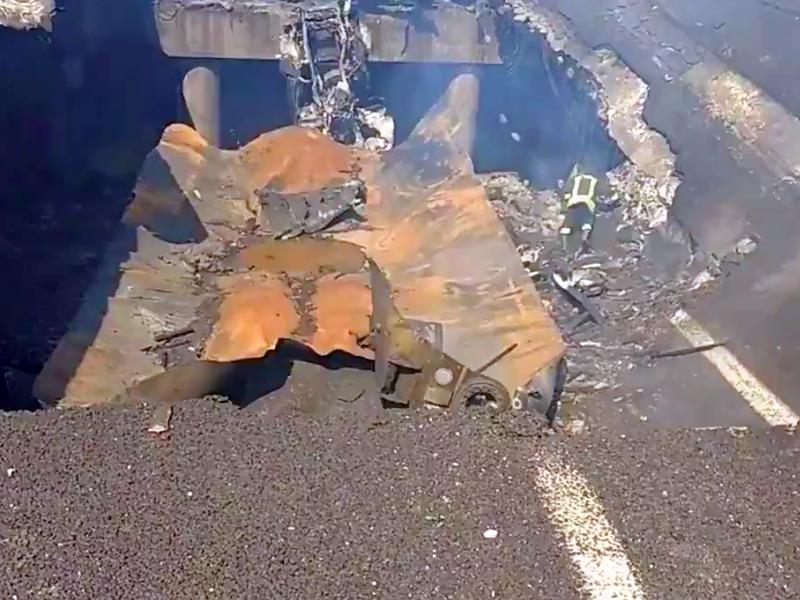 Il ponte crollato a Bologna dopo la tremenda esplosione.