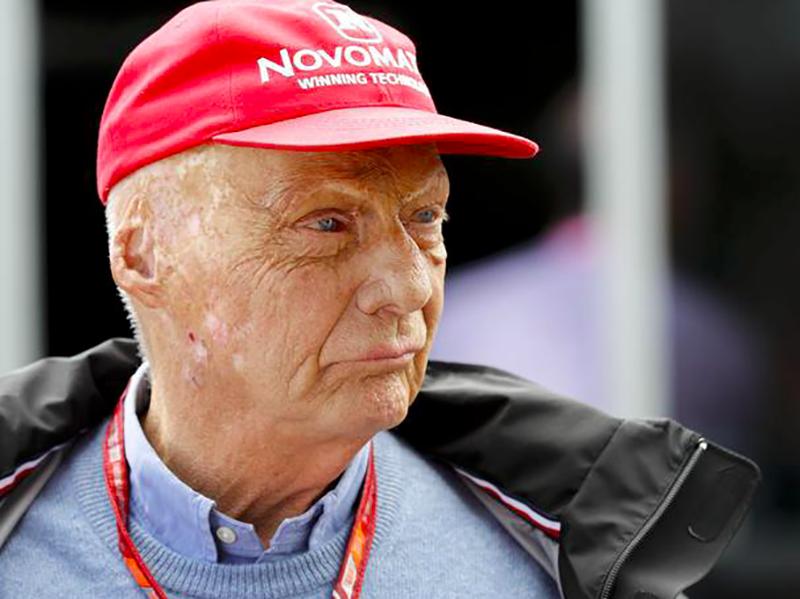 Il pilota di F1 Niki Lauda è in fin di vita: eseguito il trapianto di un polmone.