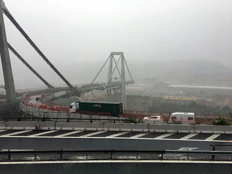 Lungo il Ponte Morandi, tra Voltri e Ospedale Galliera di Genova
