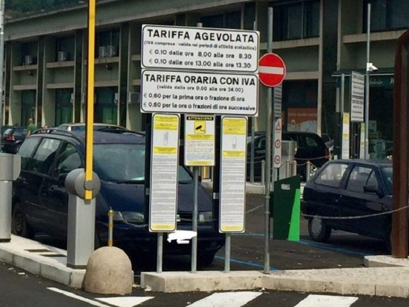 Parcheggio a pagamento per i lavoratori del distretto!