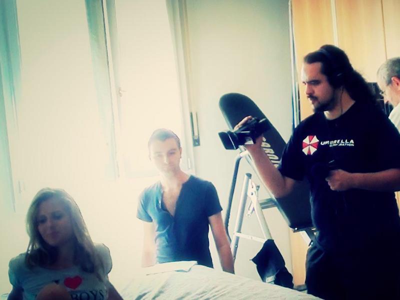 Francesco Longo durante la registrazione di uno dei suoi film horror.