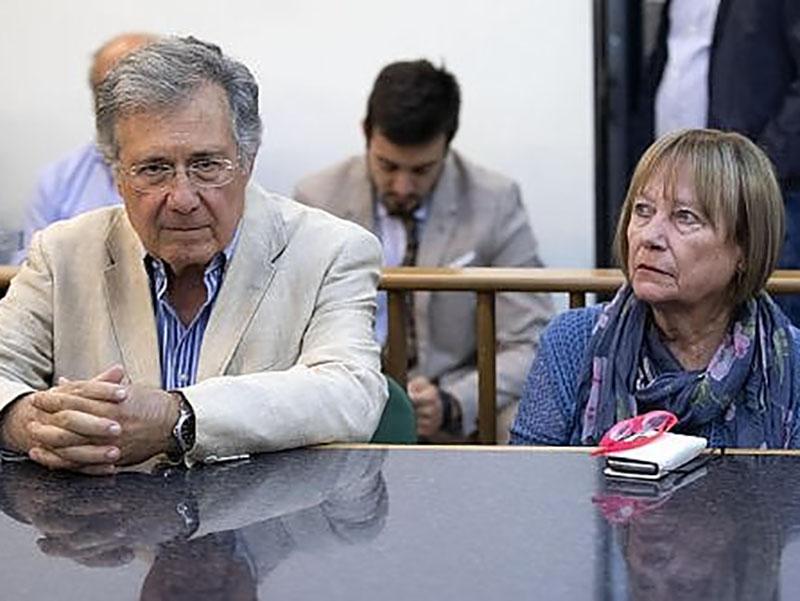 I genitori di Stefano Cucchi in silenzio in Tribunale.