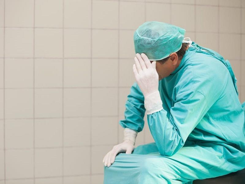 """Alessandro, Medico: """"abbiamo fallito, ora tocca a Infermieri e Professionisti Sanitari""""."""