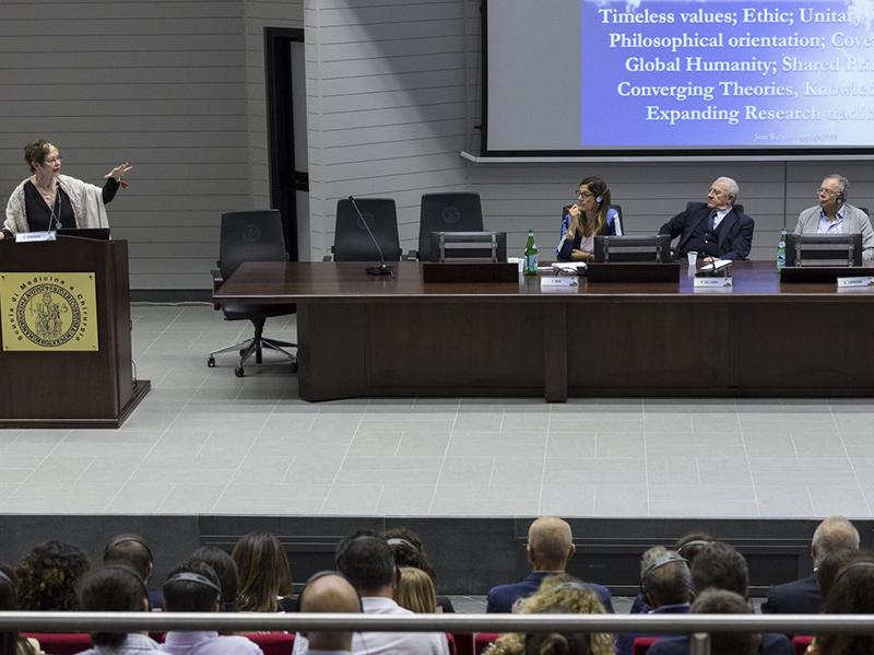 Infermieri: Vincenzo De Luca, si a nuove assunzioni, ma con salto culturale.