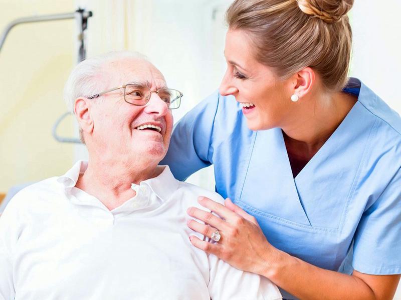 Oss: devo pulire i comodini dei pazienti?