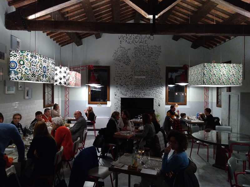 Michele Quitadamo, chef pugliese, ha trasformato l'ex-Manicomio di Imola in un ristorante di altissima qualità, dove propone cucina salutare, tipica e contaminata.