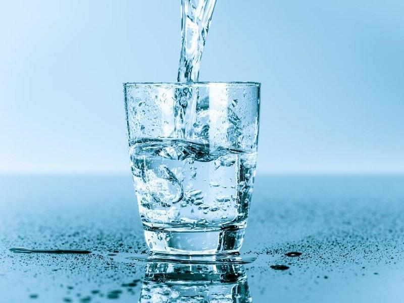 Acqua: essenziale nella dieta!