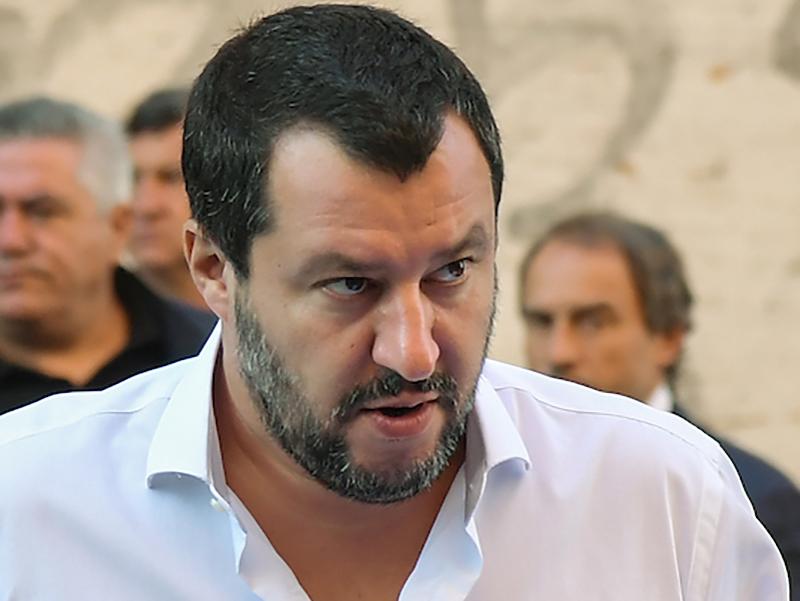 Matteo Salvini saluta pazienti pediatri, infermieri e medici e ammonisce l'Europa!