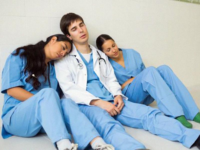 Infermieri, OSS e Professionisti Sanitari in burnout: continua il sovrautilizzo del personale e non si assume.