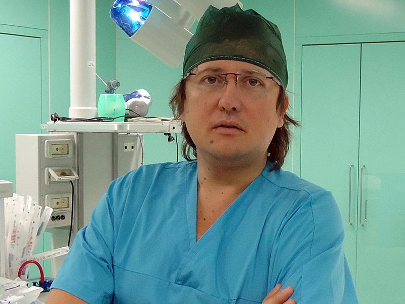"""Coronavirus. Sileri (vice-Ministro Salute): """"i tamponi vanno fatti a Medici, Infermieri e professionisti impegnanti contro il Covid-19"""""""