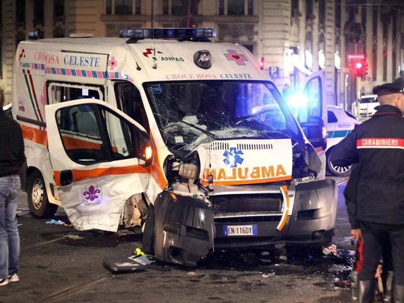 Basta con gli Infermieri alla guida di ambulanze: chi paga in caso di danni?