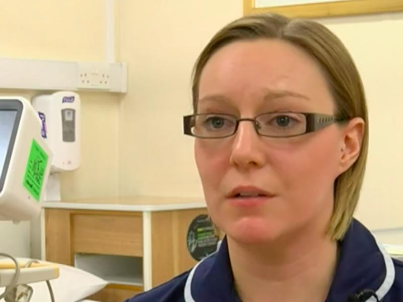 Kate Whittock, Infermiera Senior Inglese ha impiantato centinaia di pacemaker.