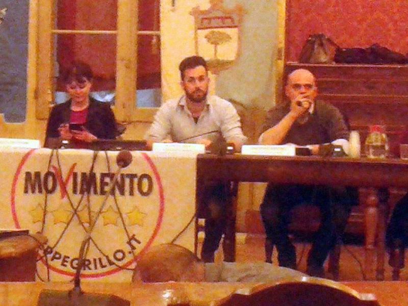 Il segretario FIALS di Bologna, Alfredo Sepe, non si candida col Movimento 5 Stelle. Ecco una storica foto con la dirigenza bolognese del M5S.