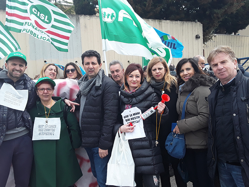Infermieri, Oss e Professionisti Sanitari: sit-in a Matera indetto da FIALS.