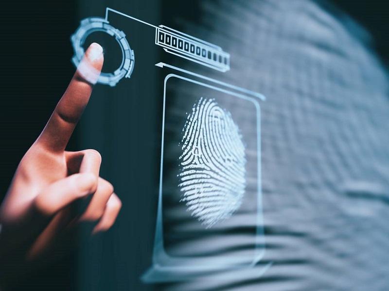 Impronte digitali e lettori dell'iride: Aziende controlleranno i dipendenti!