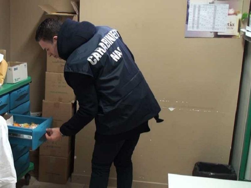 Farmaci scaduti: infermiera coordinatrice e primario rischiano carcere!