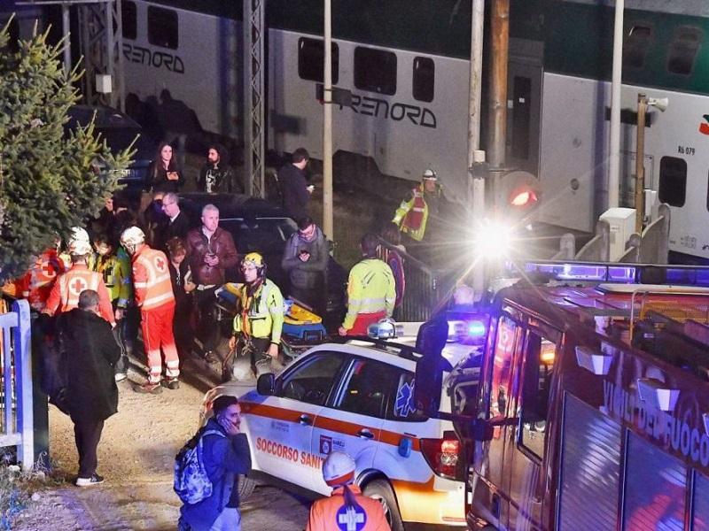 Scontro fra treni: medici e infermieri al lavoro, oltre 50 feriti!