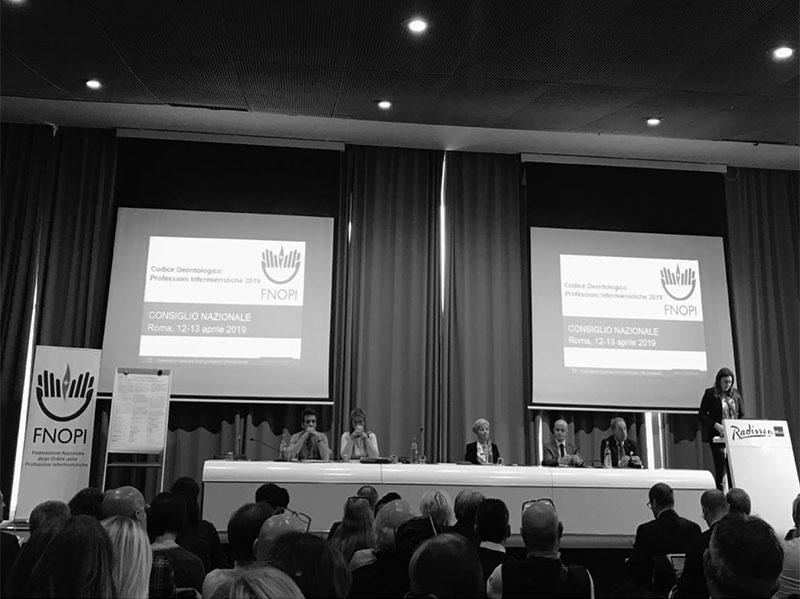 Barbara Mangiacavalli illustra il nuovo Codice Deontologico ai membri del Comitato Centrale FNOPI e ai presidente e delegati degli OPI provinciali.
