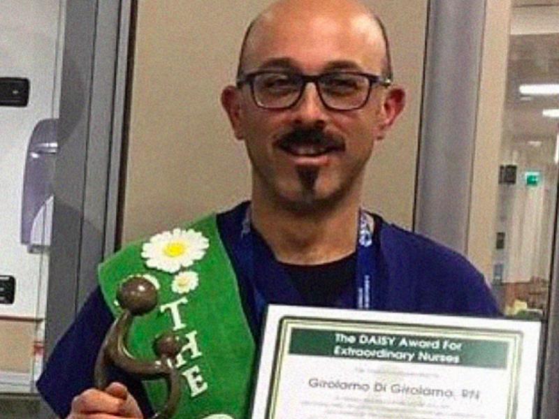Premio a Girolamo, l'Infermiere che con l'empatia conquista Pazienti e Caregiver.