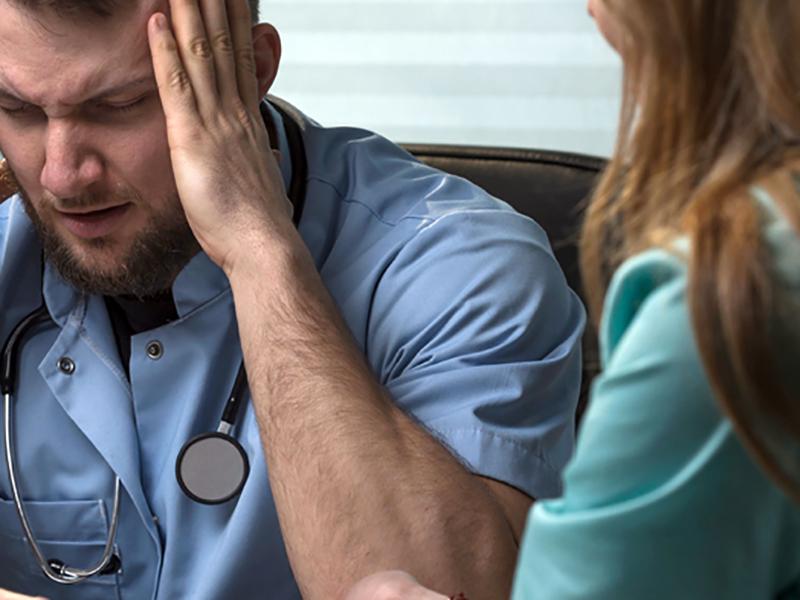 Sindrome Burnout: Infermieri, Medici, Professionisti Sanitari ecco il vero male oscuro.