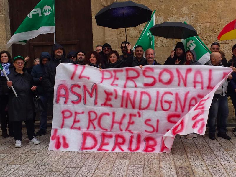 Fials Matera: sit-in riuscito. Infermieri, Oss e Professionisti Sanitari protestano!