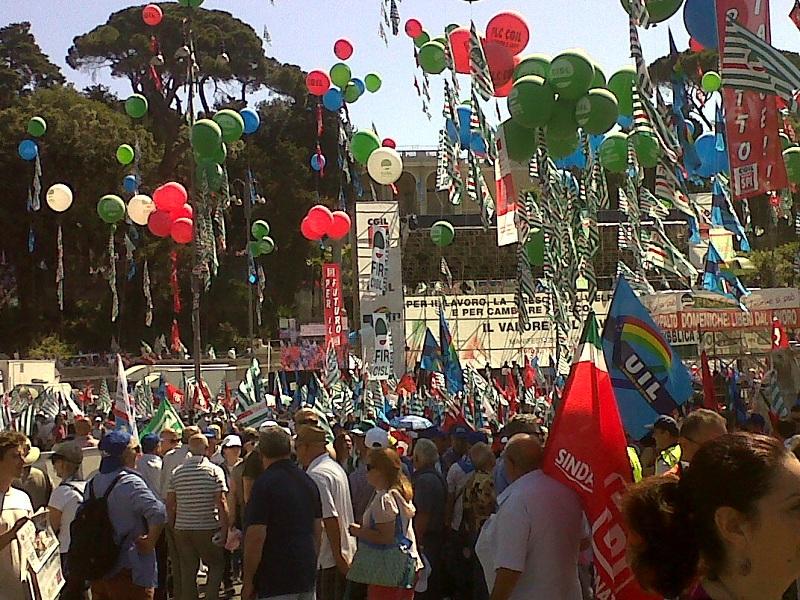 Le sigle sindacali CGIL, CISL e UIL pronte a manifestare in pubblica piazza!
