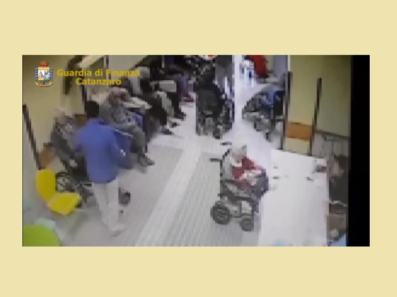 RSA Lager Calabria: 16 indagati, 2 arresti. Registrazioni e video!