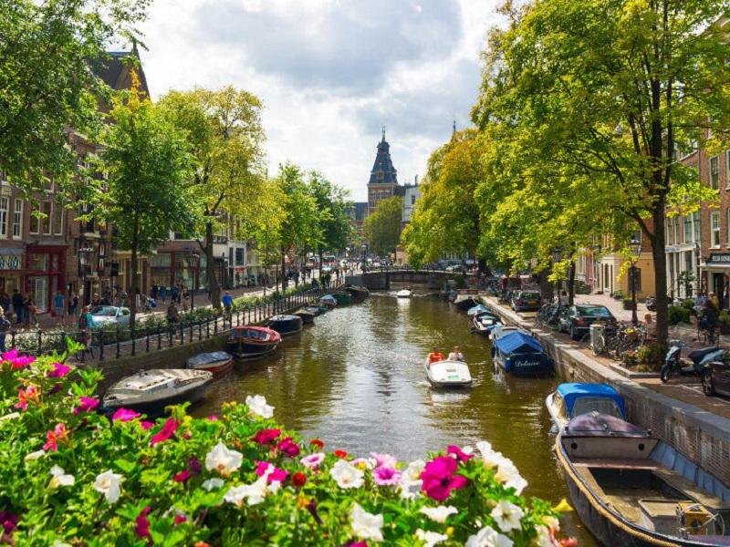 Lavorare in Olanda: manda subito il tuo CV!
