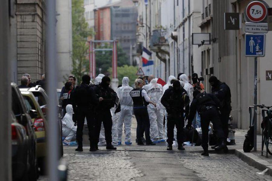 Bomba a Lione: 13 feriti, Francia di nuovo sotto attacco!