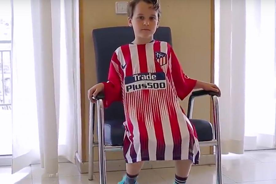Magliette dei Calciatori diventano camici speciali per Pazienti pediatrici.