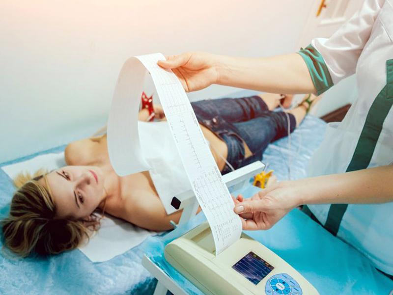 OSS vietato eseguire ECG: può aiutare l'Infermiere.