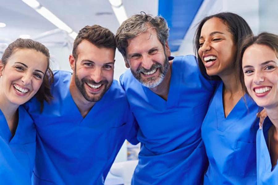 Infermieri, OSS e Professionisti Sanitari: ecco come farsi assumere a tempo indeterminato.