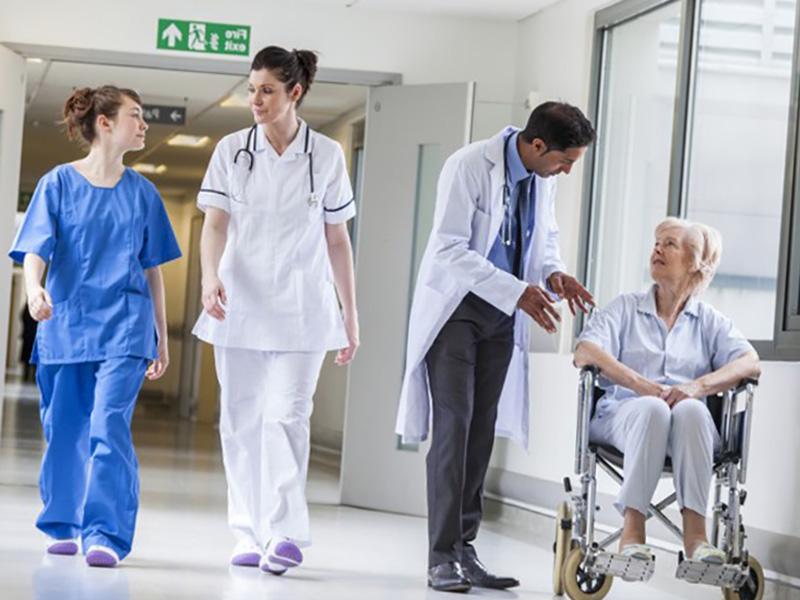 Professioni Sanitarie 2019: più posti, meno iscritti.