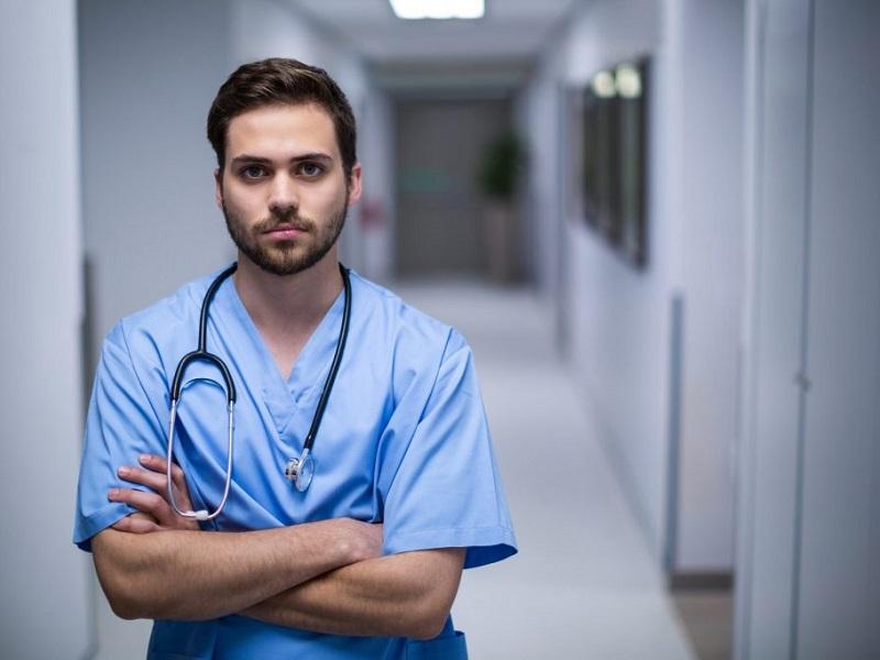 coordinatore infermiere oss uomo andrea