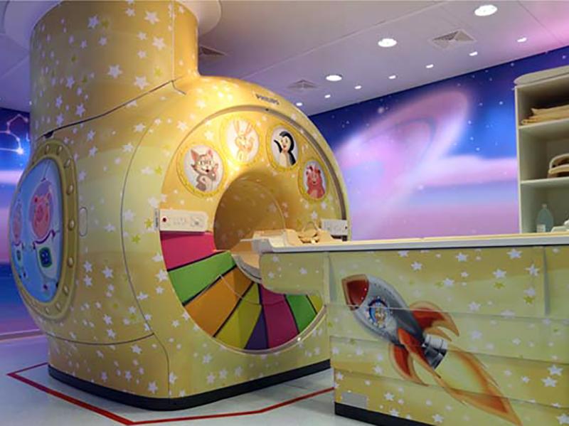Ospedale Pediatrico: Risonanza Magnetica tra pesci, navi e stelle marine.
