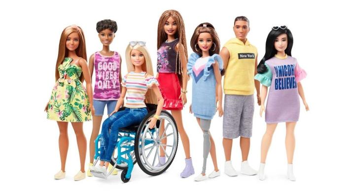Barbie in carrozzina o con protesi artificiale: un'icona che si rinnova.