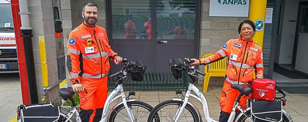 Ambulabici: Medici e Infermieri del Servizio emergenza-urgenza viaggiano su due ruote.