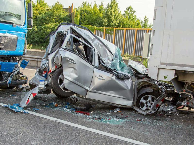 Incidenti: 5 giovani deceduti tra Calabria e Toscana. Enorme impegno di Medici e Infermieri per salvare i sopravvissuti.