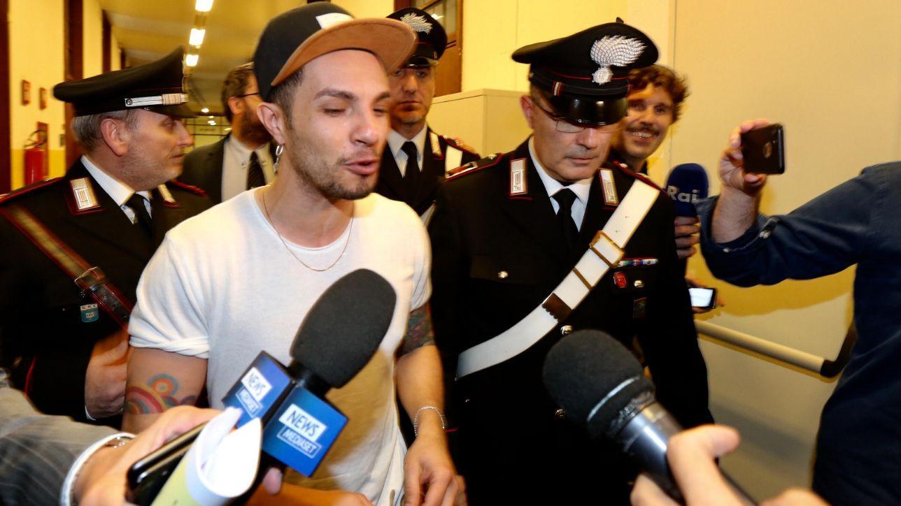 Non è una Infermiera la signora arrestata con il cantante Marco Carta per furto aggravato.