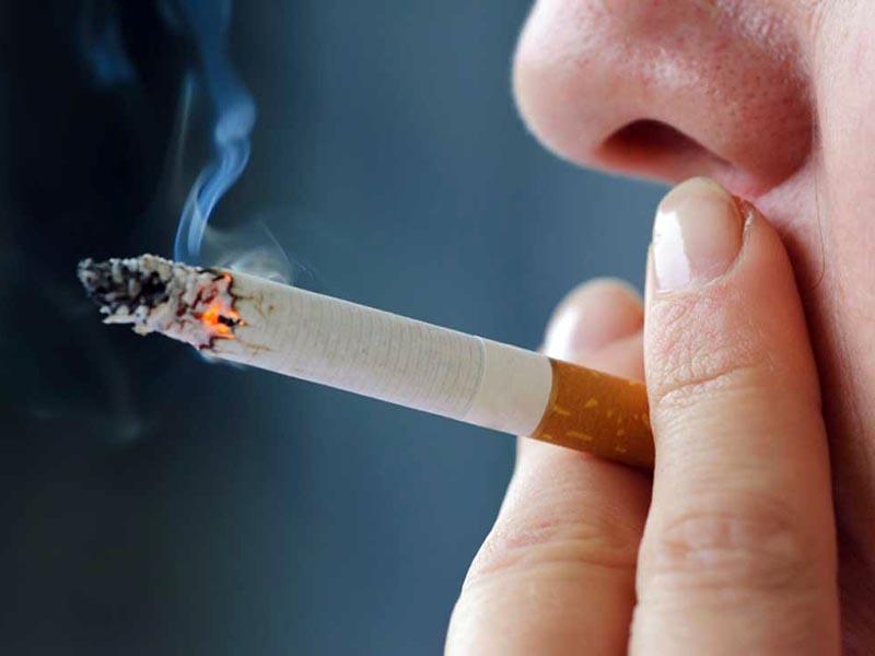 Comitato Bioetica: divieto di fumo in tutti i luoghi pubblici.