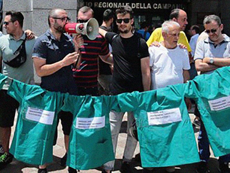 Concorso Infermieri Napoli: la rabbia dei 700 esclusi. Proteste e urla in Regione Campania.