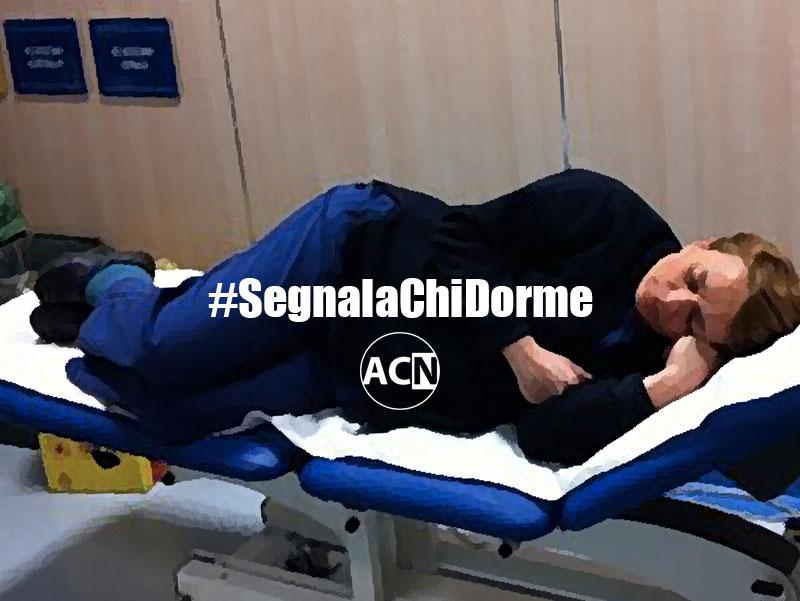 #Segnalachidorme: Medici dormono durante turno notturno, perché non possono Infermieri, Oss e Professionisti Sanitari?